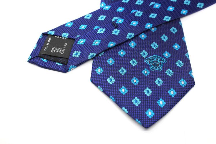 天蓝色花朵刺绣logo领带