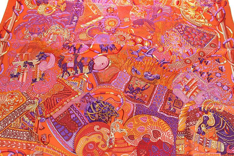 hermes(爱马仕) 橘色系动物图案丝巾90图片
