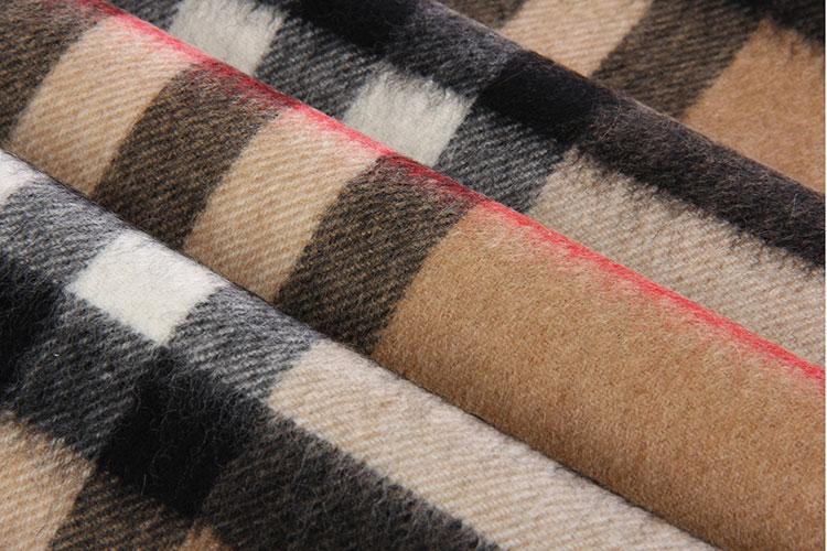 超大羊绒正方巾的系法图解