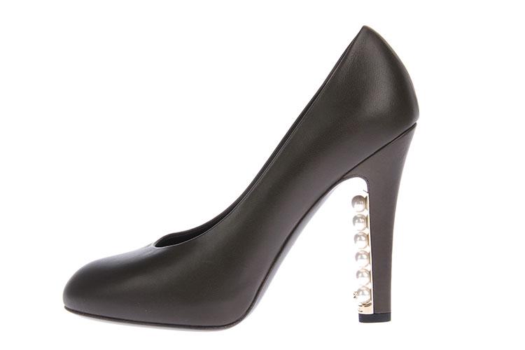chanel(香奈儿) 墨绿色皮质饰珍珠款高跟鞋36.5