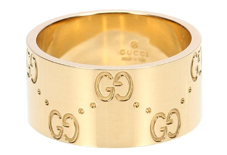 没有花纹的黄金戒指