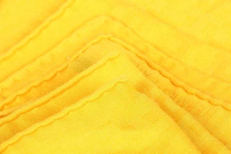 适用季节 春 人群 女式 材质 桑蚕丝 颜色 印花 类型 正方形 尺寸 90