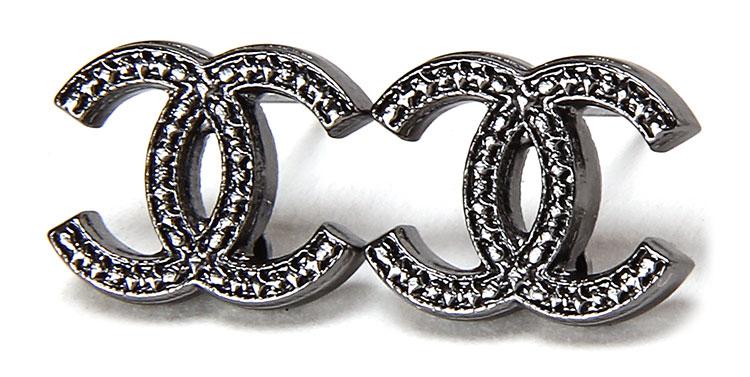 chanel(香奈儿) 银灰色双c logo复古耳钉图片