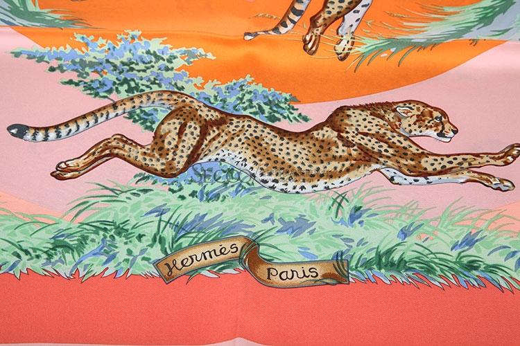 hermes(爱马仕) 动物图案丝巾图片