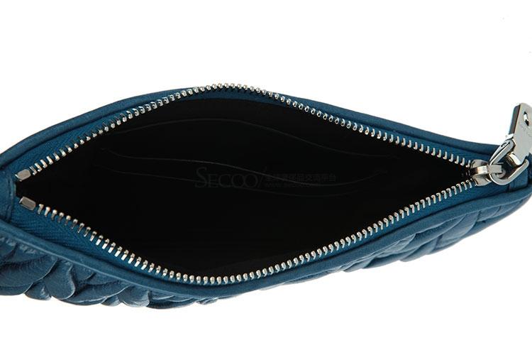 #蓝色褶皱皮质零钱包
