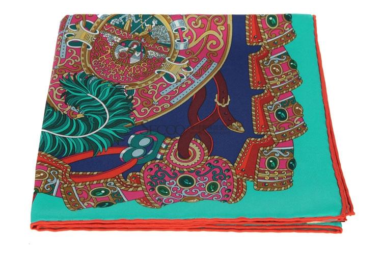 HERMES(爱马仕) 绿色边框盔甲图案丝巾90#