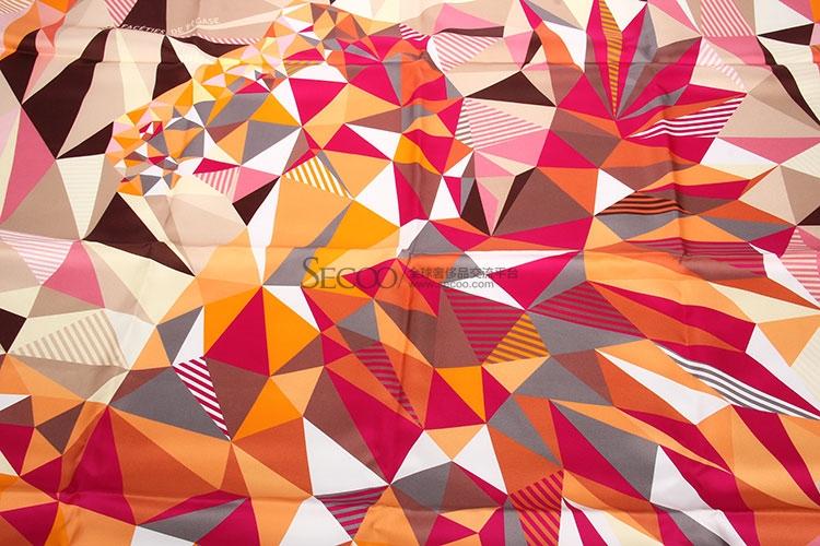 hermes(爱马仕) 橘粉卡其色三角形拼色丝巾90