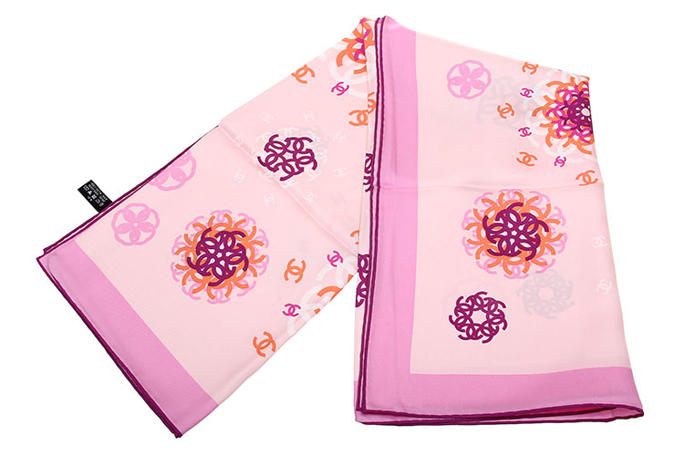 chanel(香奈儿) 粉色系双c图案丝巾90