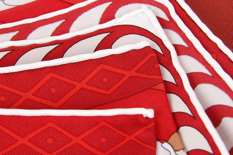hermes(爱马仕) 人物球赛运动图案红底丝巾90图片
