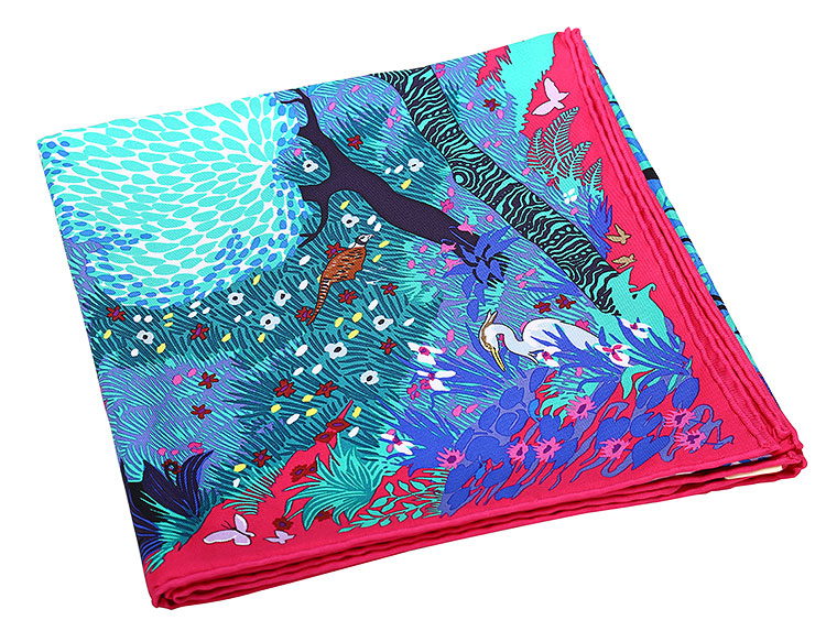 hermes(爱马仕) 枚红色底树林动物印花图案丝巾 90图片