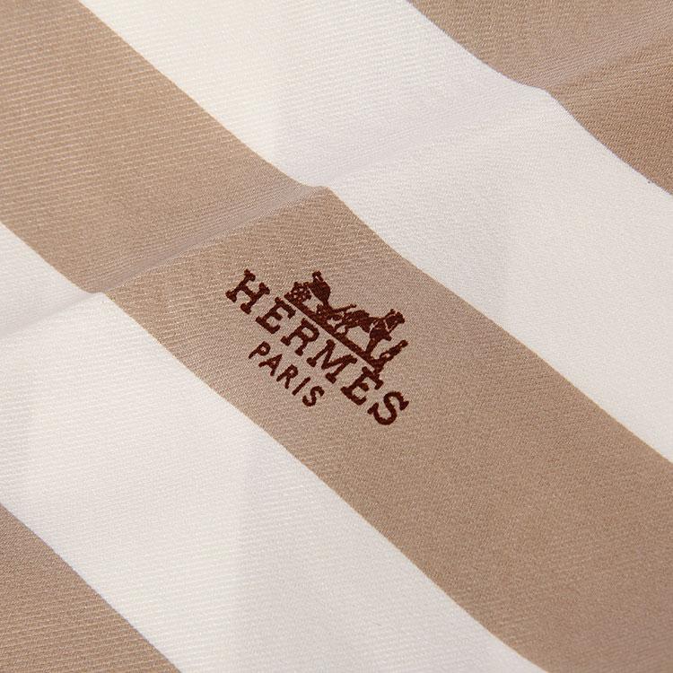 hermes(爱马仕) 白/灰色菱形条纹披肩