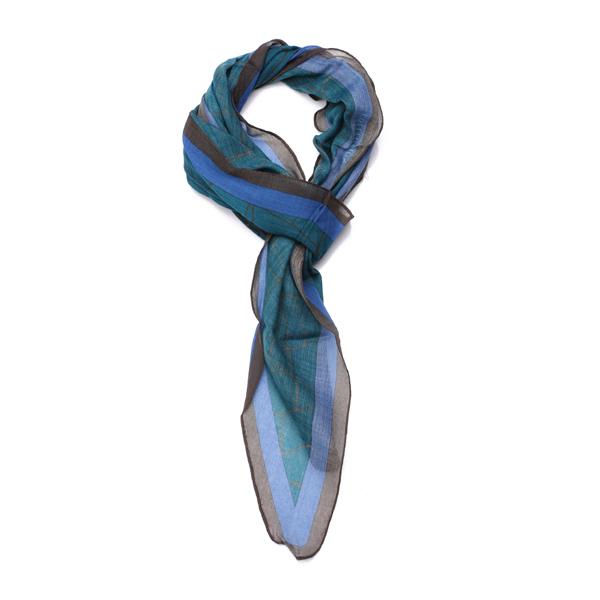 小长方形丝巾的系法图解